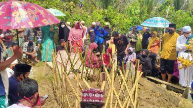 Photo of Dua Petani Korban Salah Tembak Dimakamkan